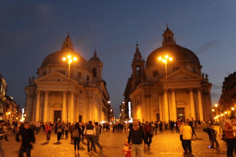 Piazza del Popolo e as igrejas gêmeas