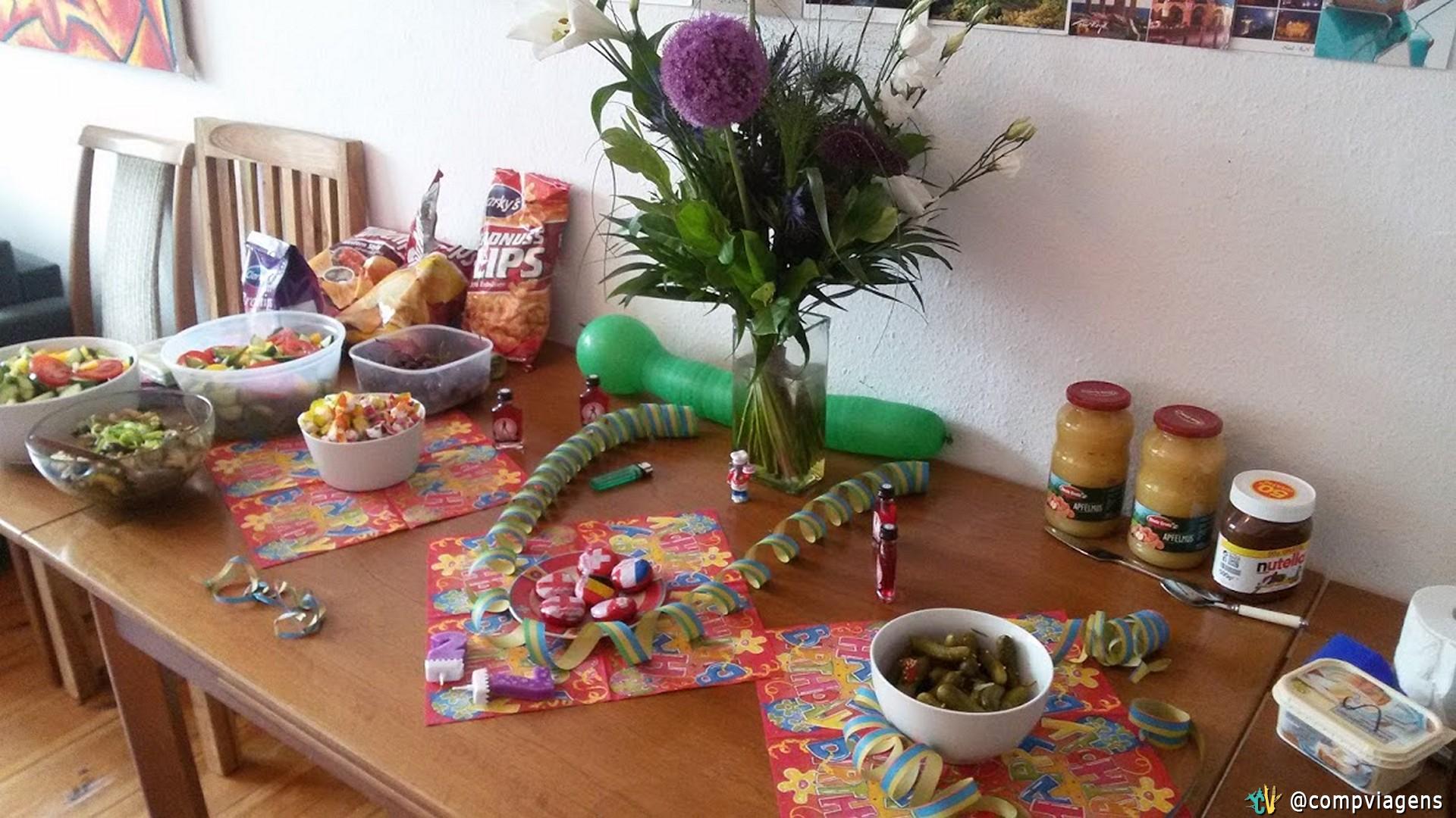 Mesa para o aniversário de Juli