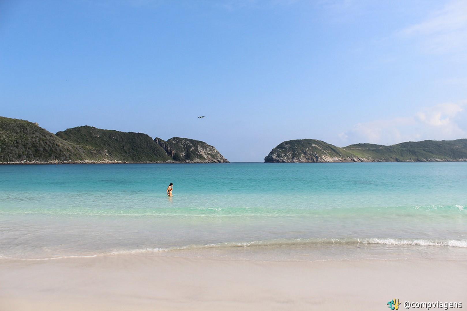 Nadando sozinha na Praia do Farol
