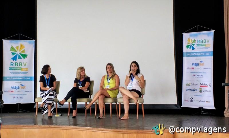 Luciana, Claudia, Lilly e Lillian no painel sobre o uso das mídias sociais para alavancar o blog