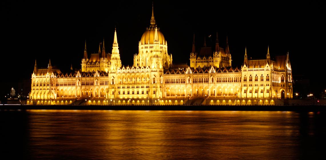 DESTAQUEparlamento-budapeste