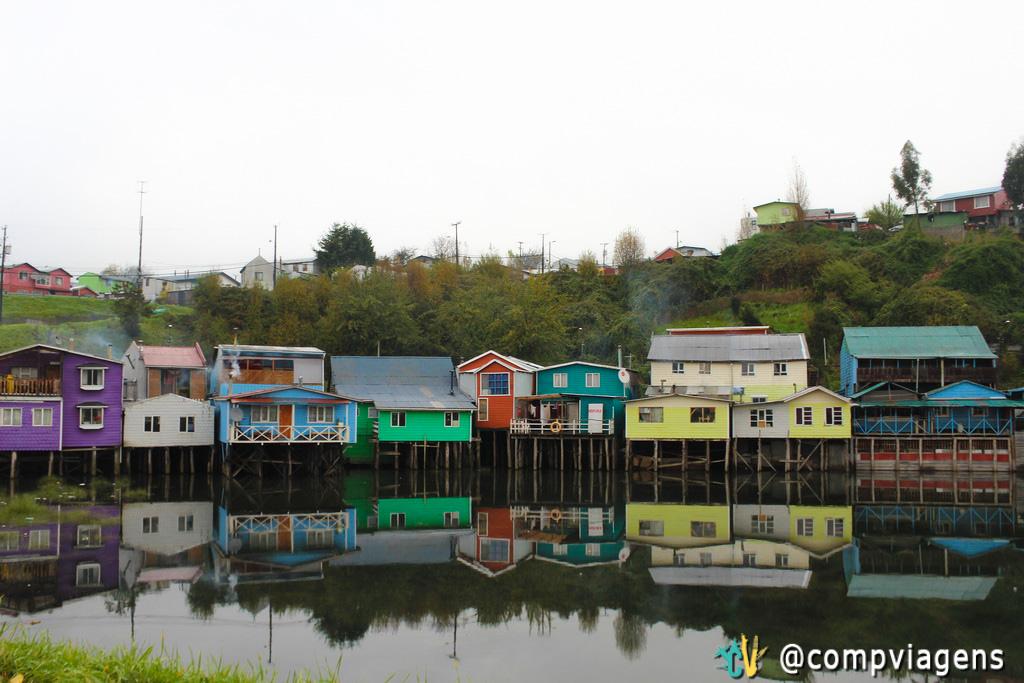 Palafitas coloridas da Isla de Chiloé