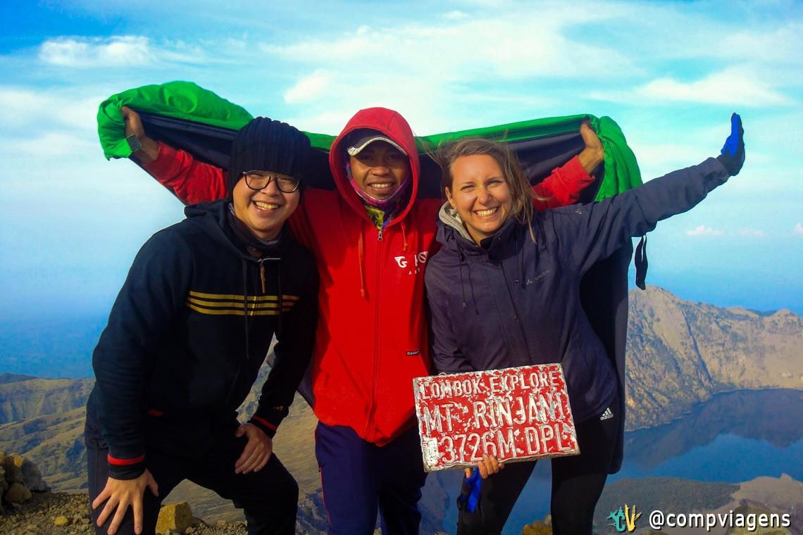 Max and Anan. Max faleceu em 09 de novembro de 2016 no Mt. Rinjani, algumas horas depois desta foto. Descanse em paz.