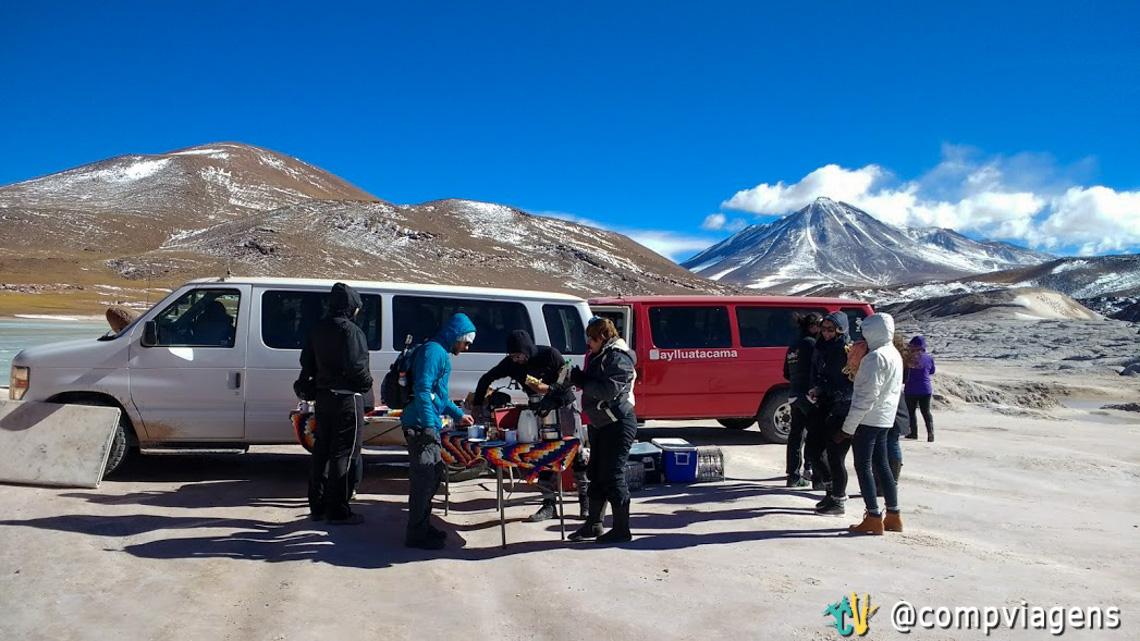 Vans da Ayllu e o nosso café da manhã em Piedras Rojas