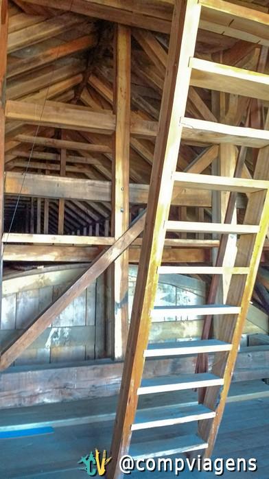 Por dentro da torre da igreja de Tenaún