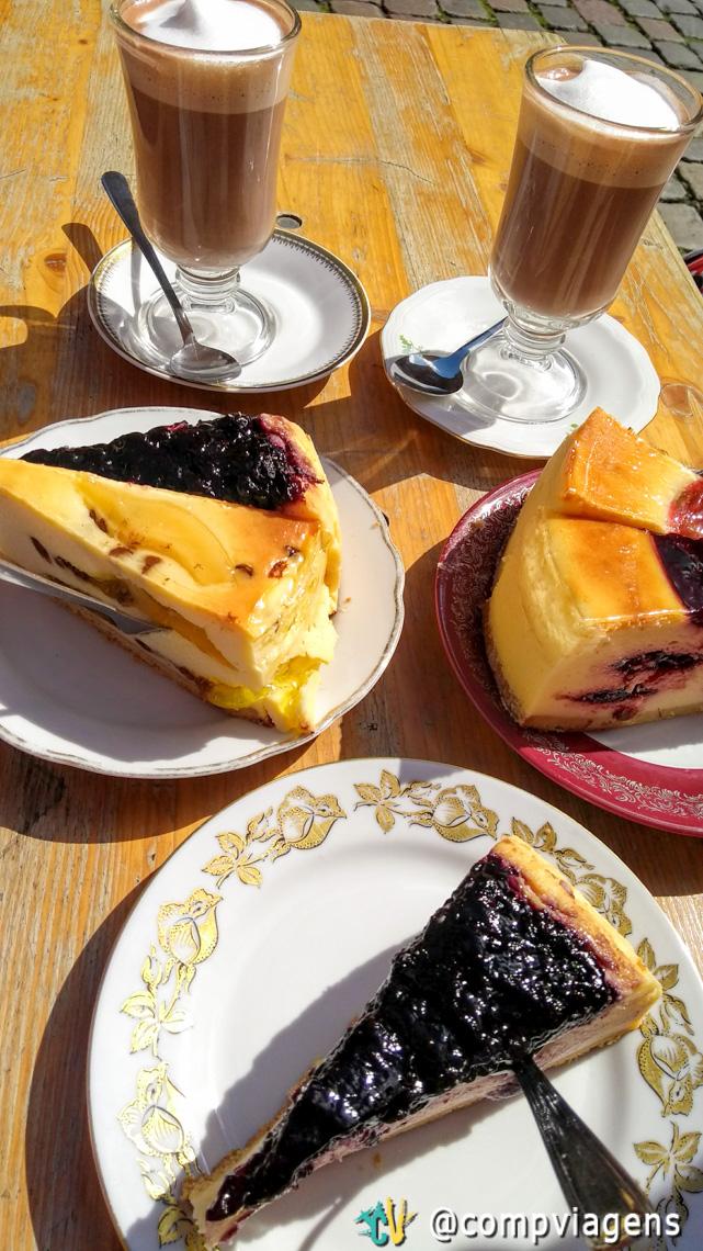 Incrivelmente delicioso cheesecake do Neuendorff Bäckerei