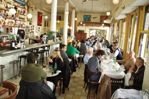 Brasserie Petanque é um bistrô tipicamente francês em Buenos Aires