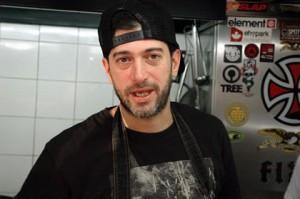 Ele sabe o que faz: experiente e viajado chef Leandro Cristoball, o Lele