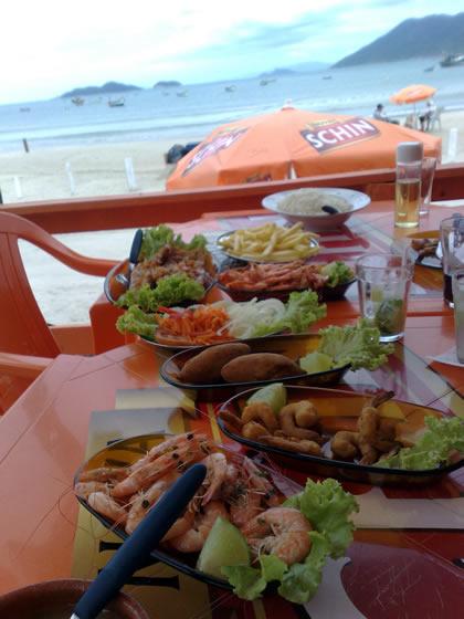A sequência de camarão para duas pessoas saiu por menos de R$ 40