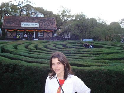 Marília no Labirinto Verde, em Nova Petrópolis