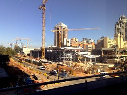 Construção do metrô em Joanesburgo, poucos dias antes da Copa a obra estava assim