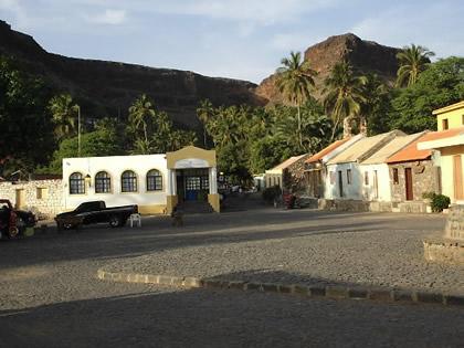 Ilha de Santiago 1: Ribeira Grande ou Cidade Velha, a primeira cidade colonial fundada pelos portugueses. Ilha de Santiago, Cabo Verde, 2005