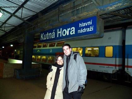 Na estação de trem de Hutná Hora, depois de bater perna pela cidade
