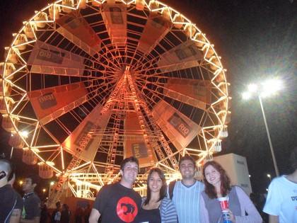 Com Paulo Guasti, Sara Lívia e Fred Santos, andando pela Cidade do Rock no Dia do Metal
