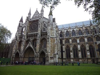 Fachada da Abadia de Westminster. Dentro não são permitidas fotos