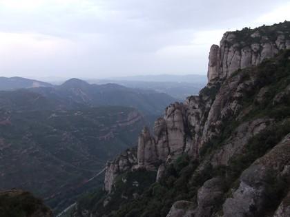 As montanhas de Montserrat são muito visitadas por praticantes de  escalada esportiva