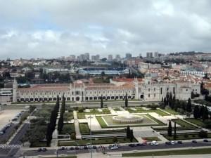 Jardim da Praça do Império e Mosteiro dos Jerônimos visto do Padrão dos Descobrimentos