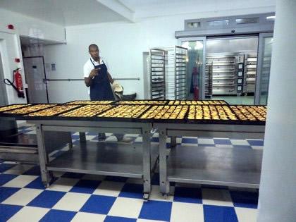 Fabricação dos famosos pasteis de Belém