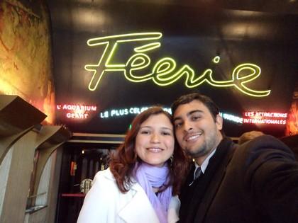 Na entrada para o show Féérie