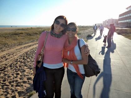 Com nossa anfitriã, minha prima Suzy em Platja de Castelldefels