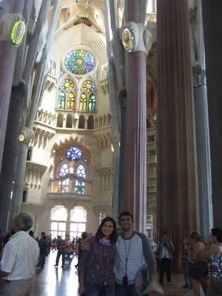 No interior da Sagrada Família
