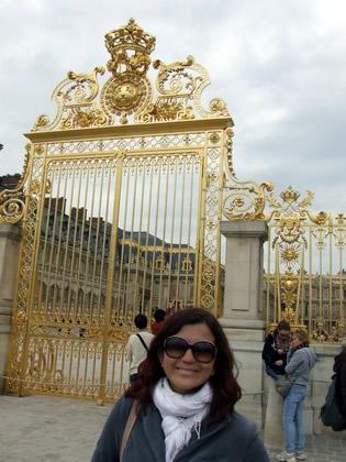 No portão principal