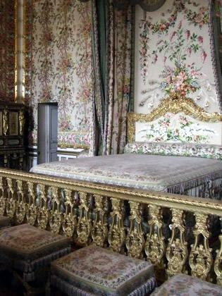 Quarto da rainha. Isso mesmo a rainha não dormia no mesmo quarto do rei!