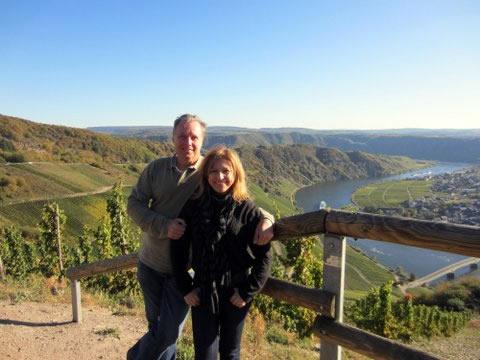 Norbert e Valda em um passeio pela região dos vinhos
