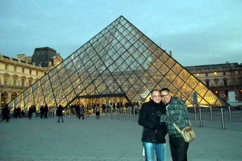 Clique no Museu do Louvre