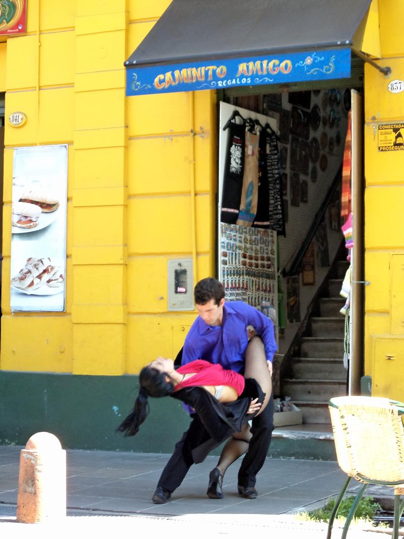 Dançarinos de tango no Caminito