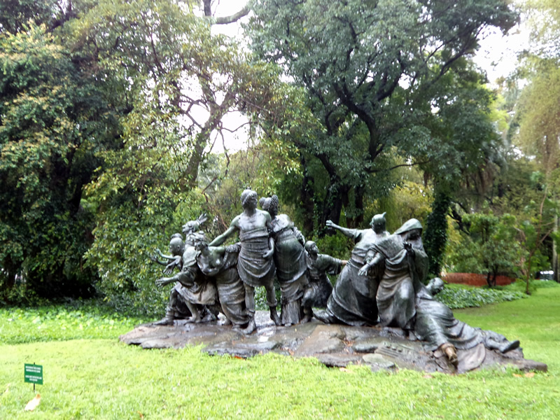 Esculturas no Jardim Botânico