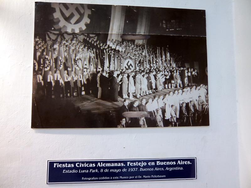 Fotografia de evento nazista realizado em Buenos Aires