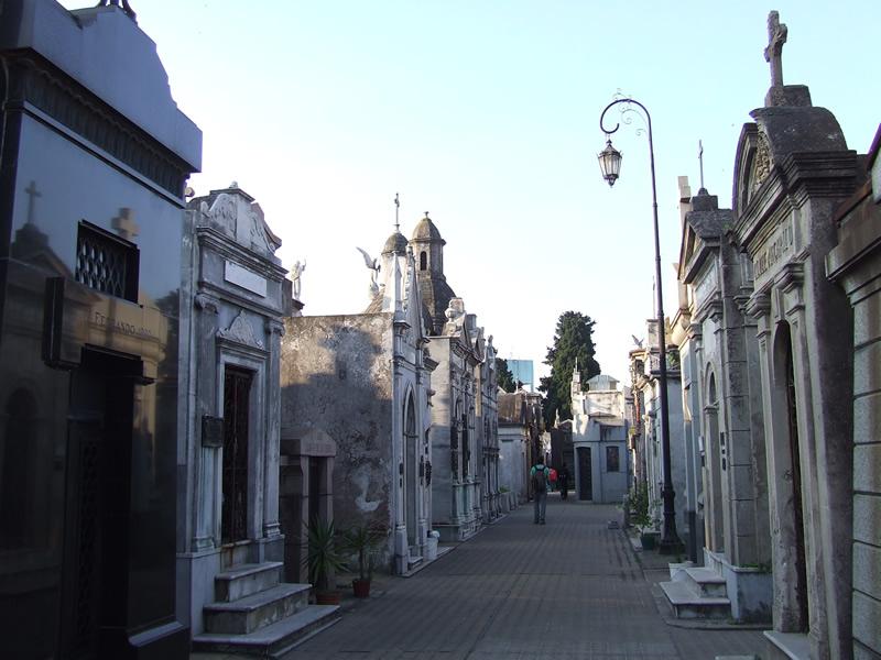 O Cemitério da Recoleta parece um pequena cidade