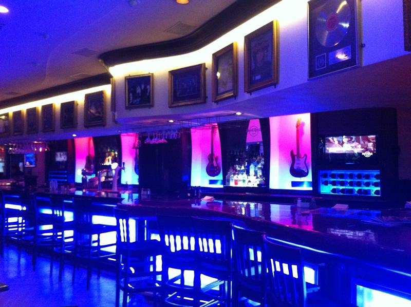 Hard Rock Café Buenos Aires: bar em formato de guitarra