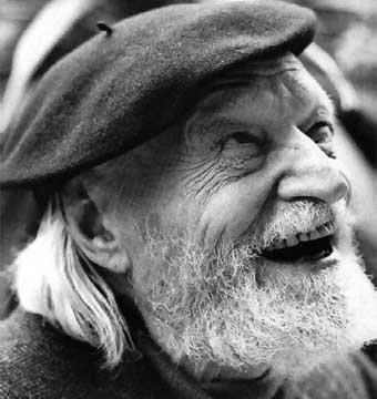 O poeta italiano Giuseppe Ungaretti (1888-1970)