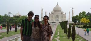 O trio do 360 Meridianos no Taj Mahal, Índia
