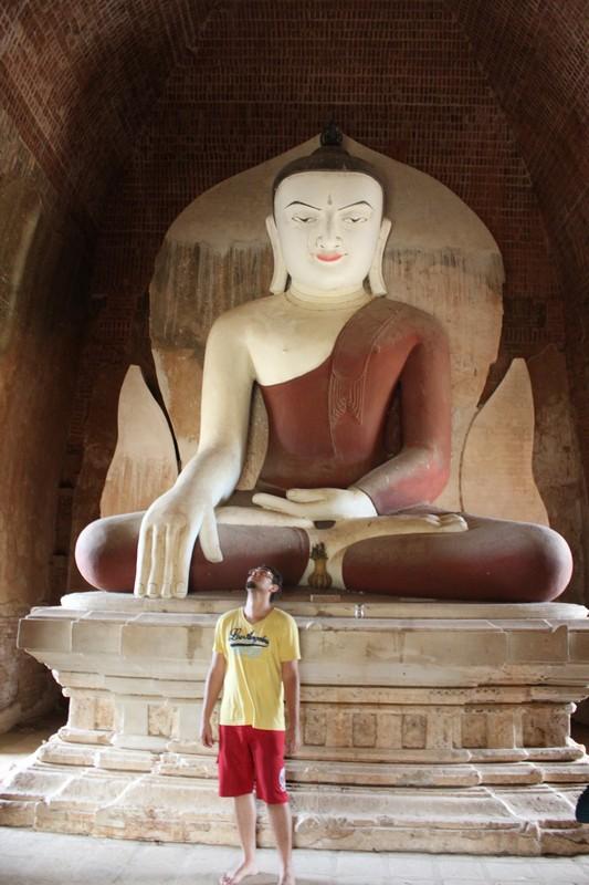 Buda gigante em um dos templos