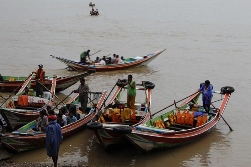 Movimento dos barcos no porto