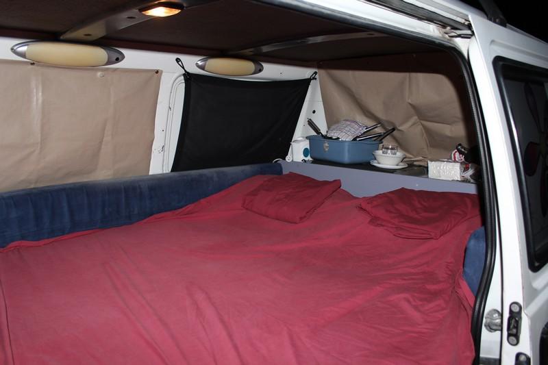 Nossa campervan com a cama montada