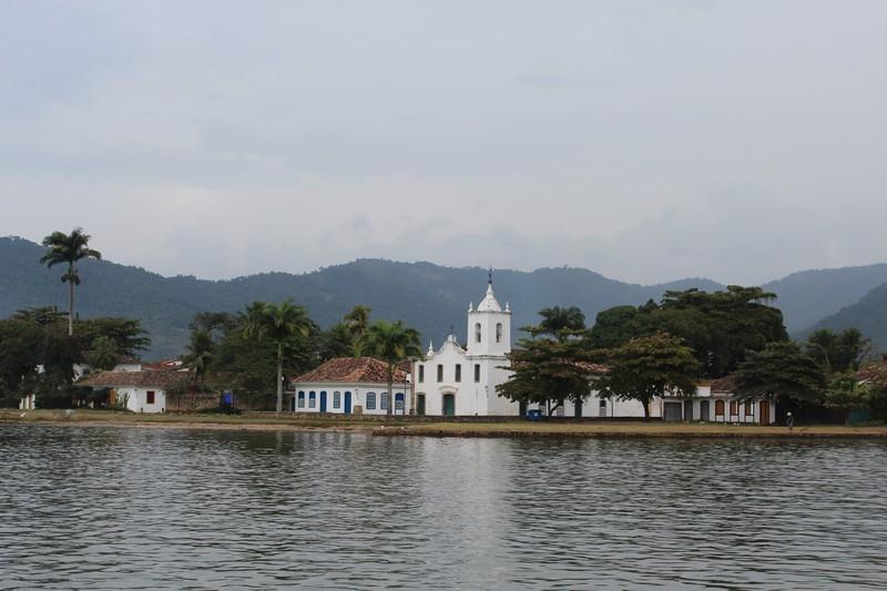 Cartão postal principal de Paraty: a Igreja de Nossa Senhora das Dores