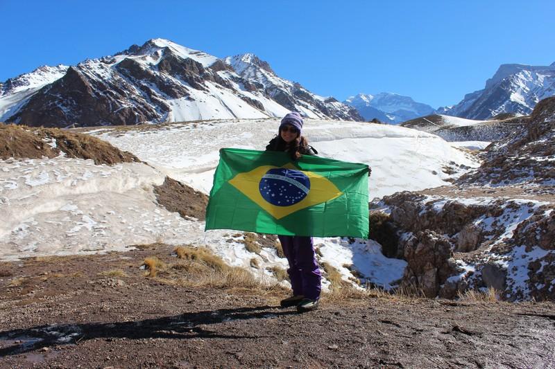 Do meu lado direito na foto, o topo do Aconcágua