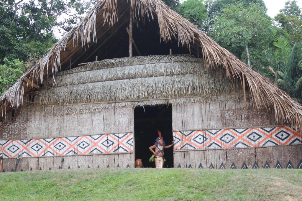 Pajé da tribo Dessana