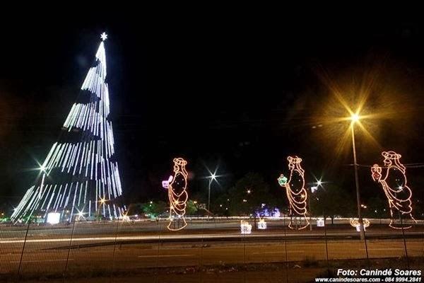 Árvore de Natal em Mirassol. Foto: Canindé Soares