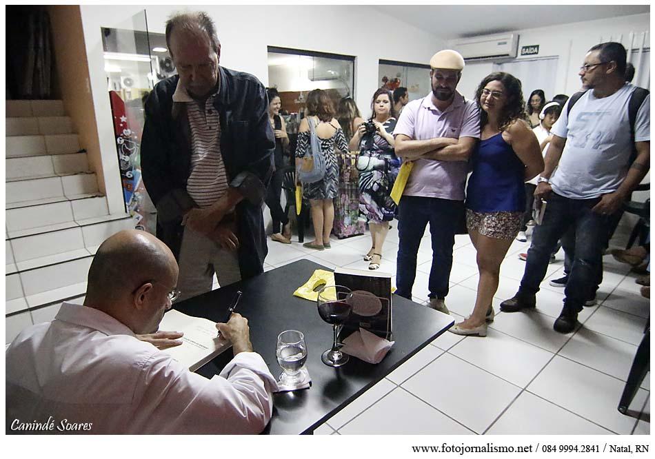 Antonino na noite de lançamento do livro. Foto: Canindé Soares