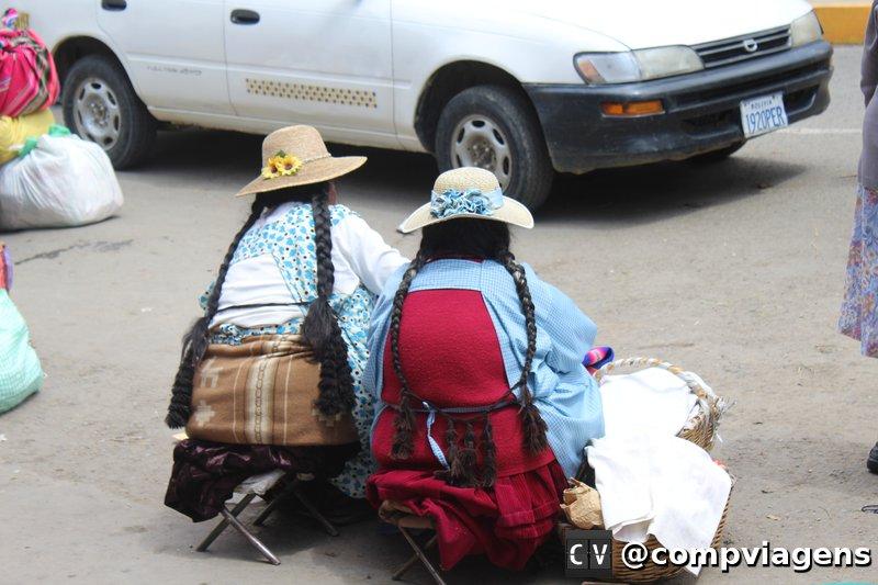 Cholitas trabalhando nas ruas do Centro