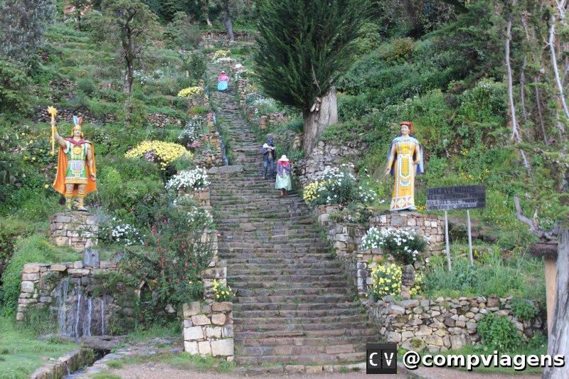 Escadaria que dá acesso ao lado Sul de Isla del Sol