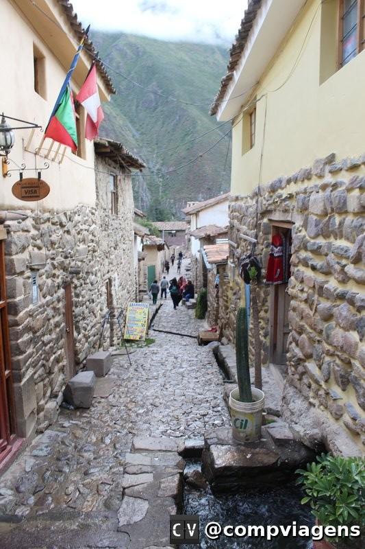 Ruas de Ollantaytambo, preservadas desde o período dos Incas