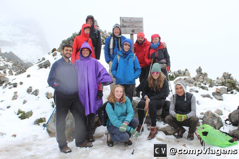 Nosso grupo no ponto alto da Salkantay