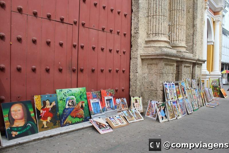 Quadros vendidos nas ruas da cidade velha