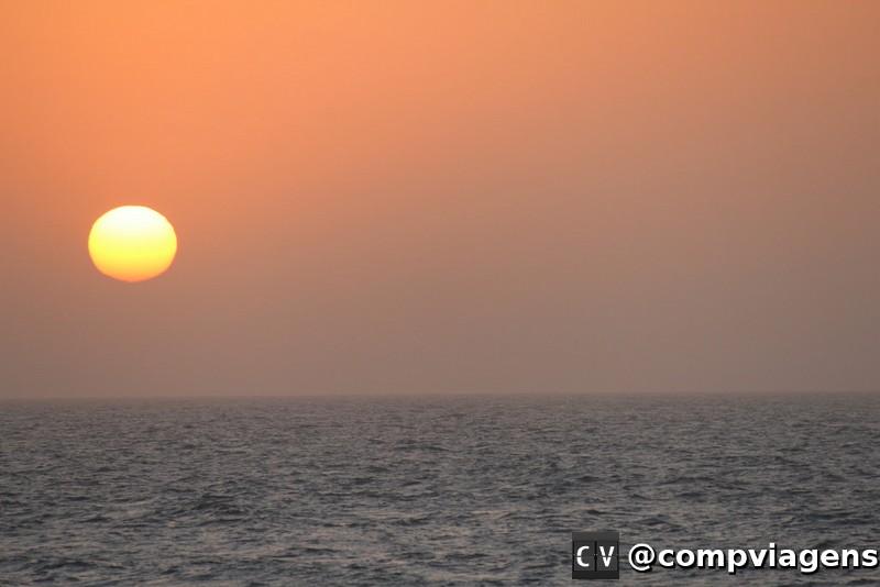 Pôr do sol no mar de Cartagena
